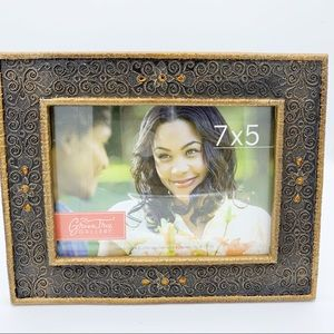 (2) 5x7 Pictures frames